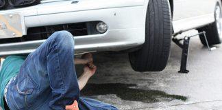 UN JOVEN FALLECIO TRAS SER APLASTADO POR UN AUTOMOVIL QUE ESTABA ARREGLANDO